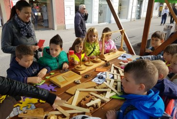 FOTO/VIDEO: Ob tednu otroka pestro dogajanje na Glavnem trgu v Mariboru