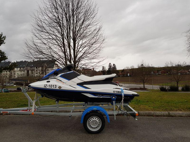 Ptuj-odtujen vodni skuter na prikolici; Maribor-odtujil okoli 1000 kg bakra