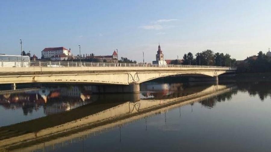 Promet na ptujskem starem mostu naj bi znova stekel 24. avgusta