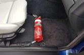Del opreme v vozilu naj bo tudi gasilni aparat
