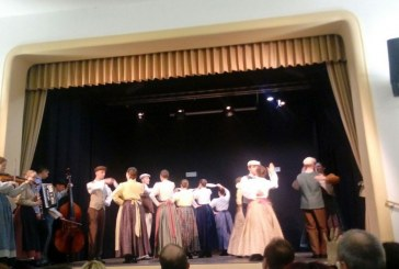 FOTO/VIDEO: Po srečanju folklornih skupin zdaj še območno srečanje otroških gledaliških skupin