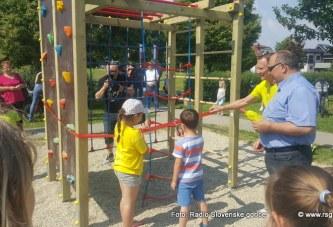 FOTO: V lenarškem parku nova igrala
