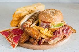 Polovica odraslih v Sloveniji se prehranjuje nezdravo