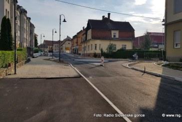 FOTO: V Lenartu še vedno popolna zapora glavnih cest skozi center