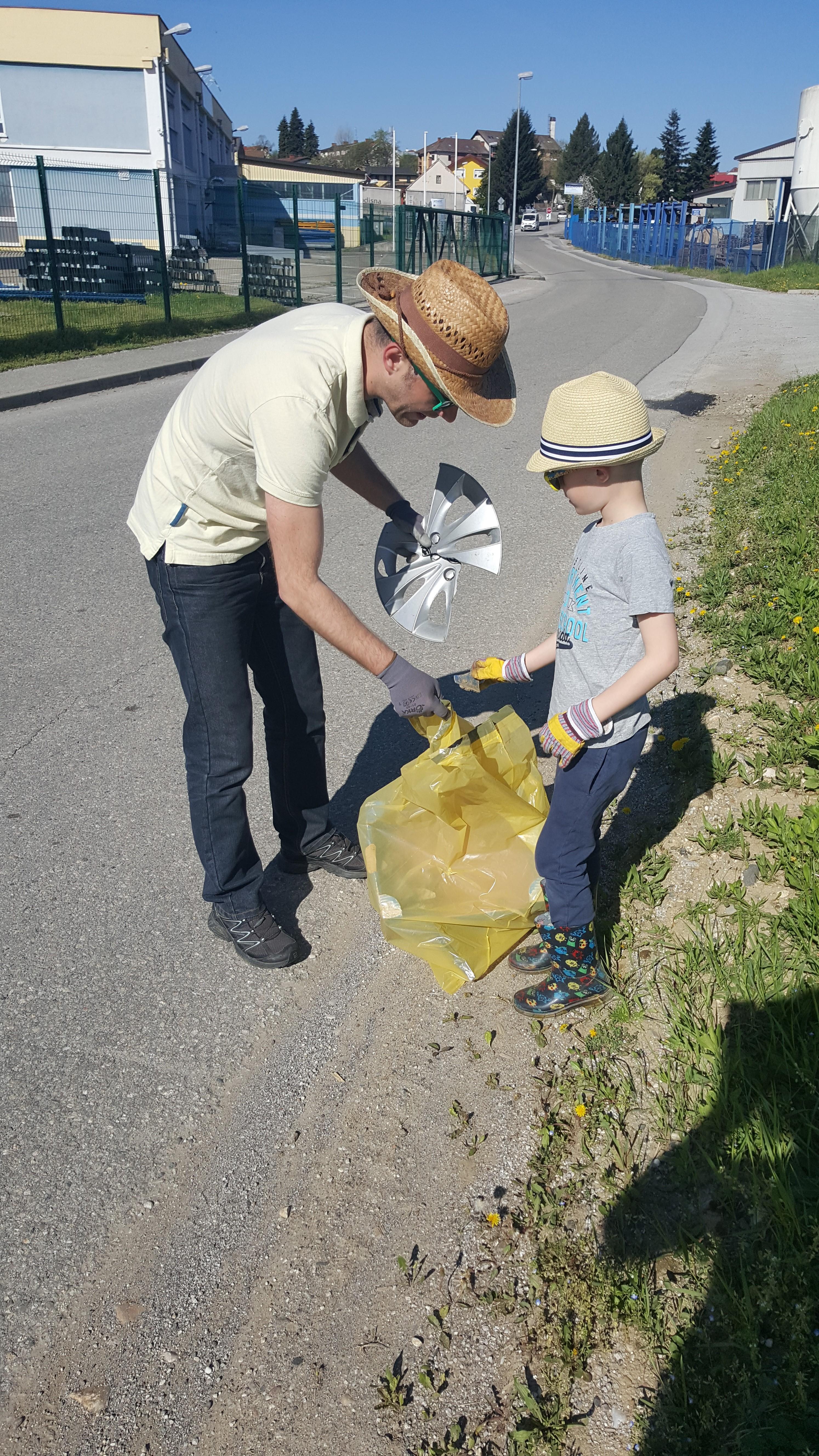 Sobotne čistilne akcije v Benediktu se je udeležilo okoli 300 občank in občanov
