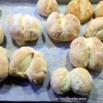 V okviru delavnic domače obrti januarja še tradicionalna peka kruha in pogač