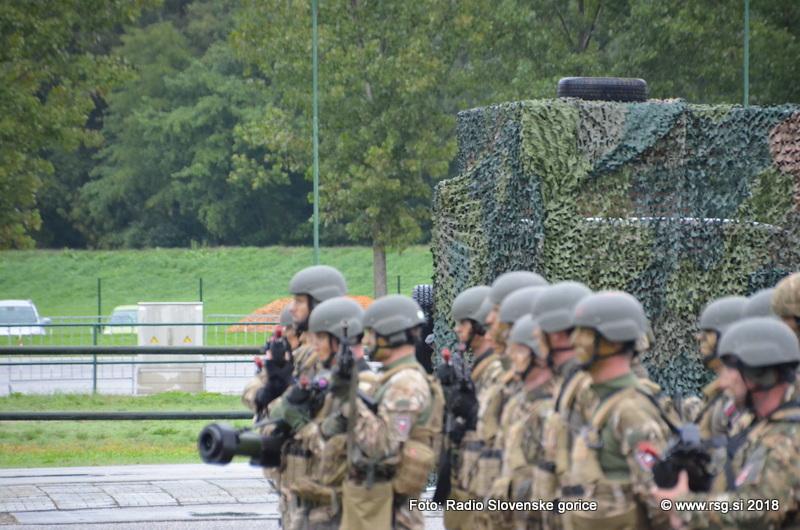 Slovenska vojska kadrovsko podhranjena