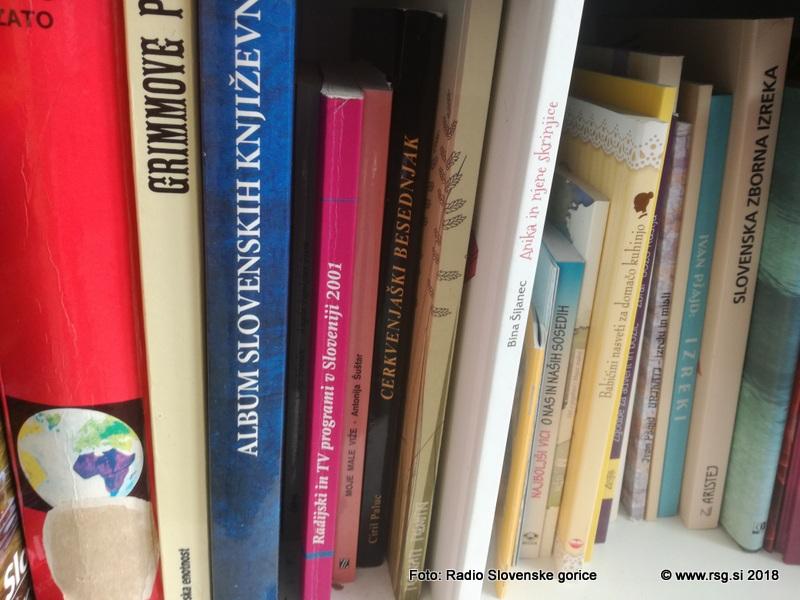 Obiskovalci Knjižnice Lenart v juliju in avgustu najpogosteje posegajo po lahkotnem čtivu
