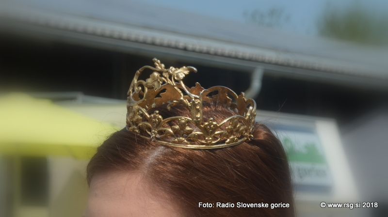 Tjaša Simonič je nova vinska kraljica Cerkvenjaka