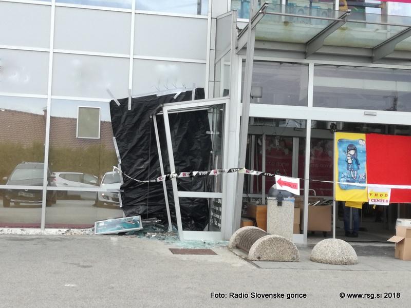V Lenartu razstrelili bankomat
