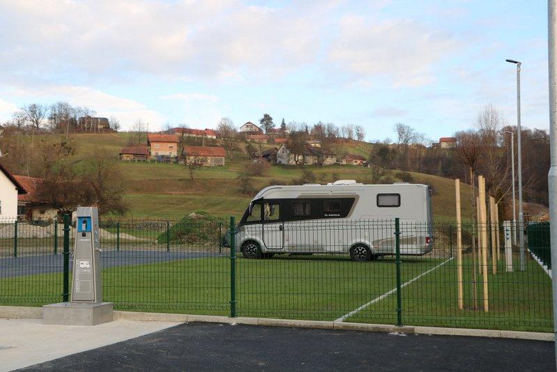 Postajališče in parkirišče za avtodome tudi v Brengovi