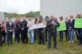FOTO/VIDEO: Protestniki pred lenarško sortirnico odpadkov od odgovornih zahtevali ukrepanje