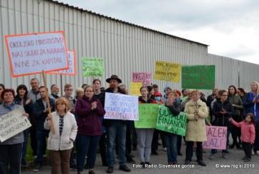 FOTO/VIDEO: V Lenartu vztrajajo pri zaprtju sortirnice odpadkov