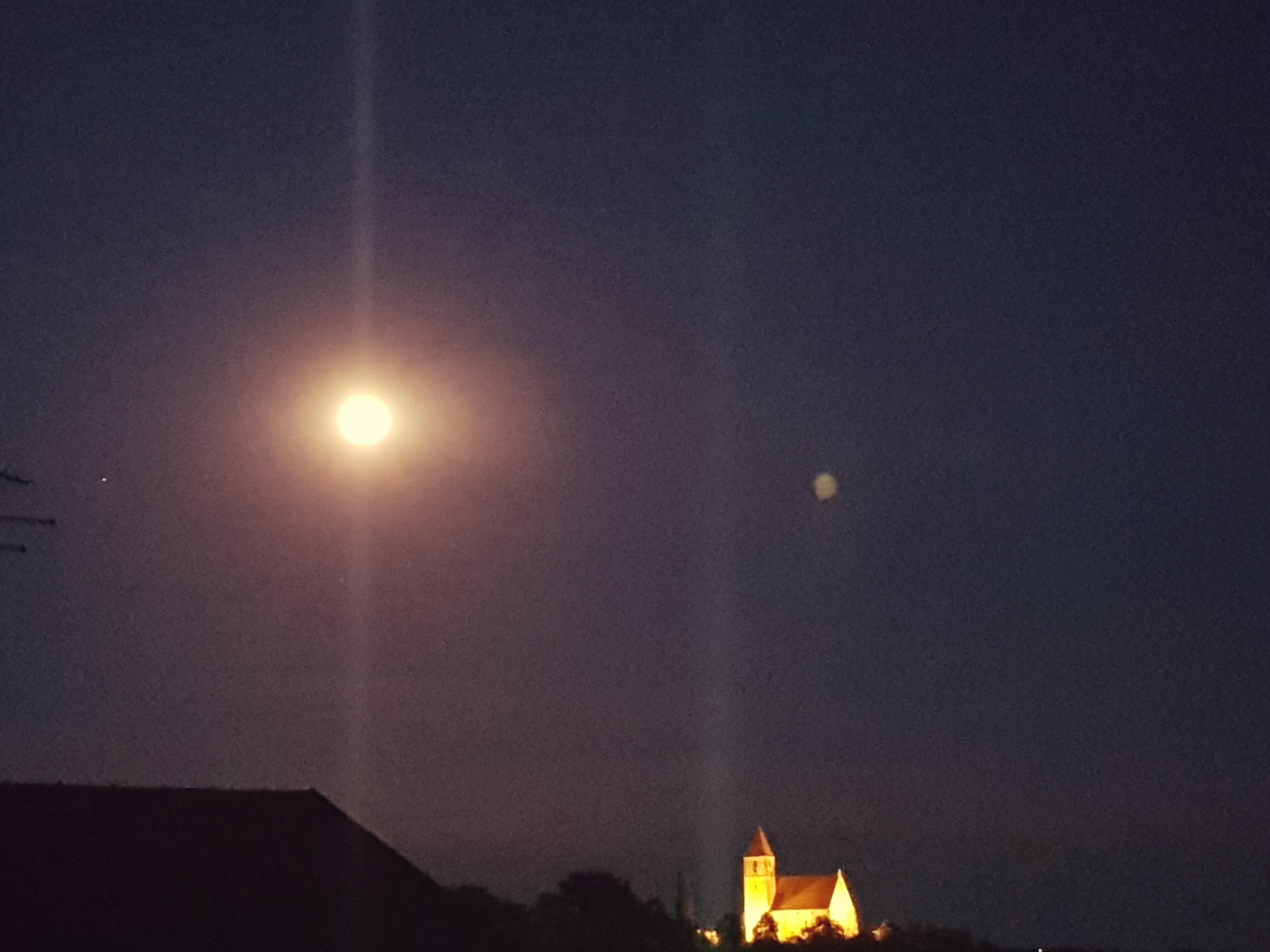 Ponoči bomo opazovali delni lunin mrk