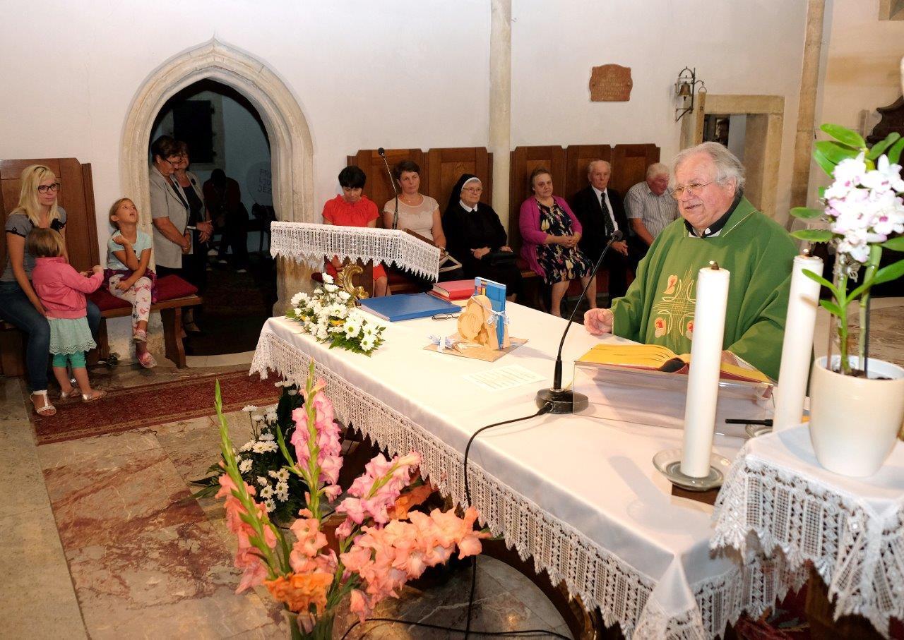 FOTO: V lenarški cerkvi slovo od dolgoletnega župnika Martina