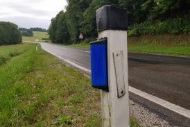 Eden od ukrepov za zmanjšanje trkov živali z avtomobili zvočne in svetlobne odvračalne naprave