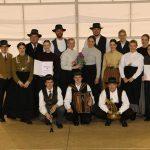 Folklornike iz Sv. Ane prežema mladostna energija, ki je k njim pripeljala tudi Bojana Glaserja