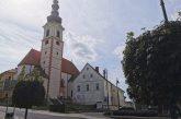 Maše brez vernikov, v cerkev le molit, k obhajilu ali spovedi