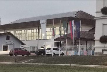 V SVZ Hrastovec zdrave stanovalce iz depandanse C premeščajo v športno dvorano v Voličini